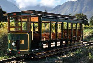 Südafrika: Mit der nostalgischen Trambahn durch die Weinberge von Franschhoek