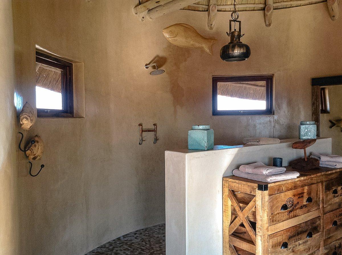 ONDILI | Luxuschalets bei Desert Homestead und Kalahari Red Dunes ...