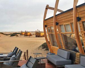 Die Shipwreck Lodge an der Skelettküste: Einzigartige Luxuslodge im Stil von alten Schiffswracks