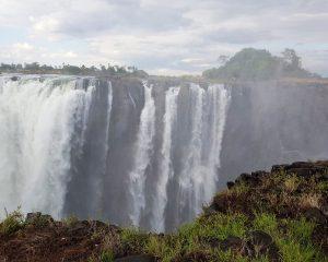 Victoria Falls sind nicht ausgetrocknet und weiterhin ein mitreißendes Erlebnis!
