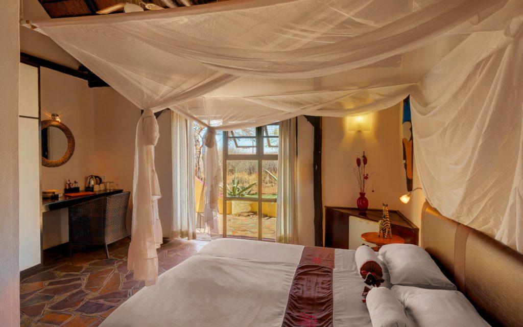 Namibia Windhoek Immanuel Wilderness Lodge Doppelzimmer Iwanwoskis Reisen - afrika.de