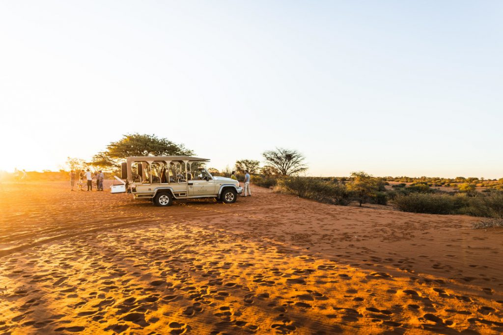 Namibia Mariental Kalahari Farmhouse Pirschfahrt Iwanowskis Reisen - afrika.de