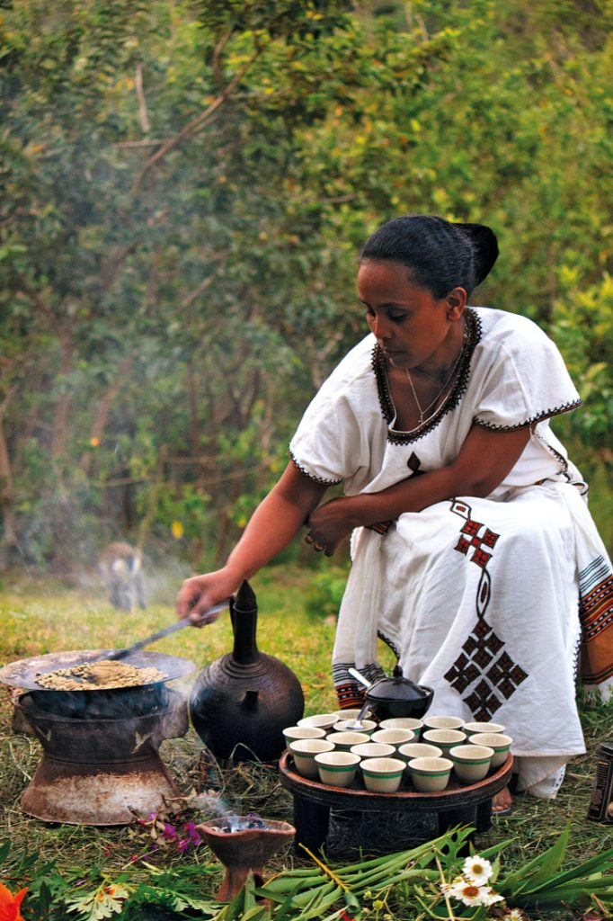Äthiopien Yirgalem Kaffeezeremonie Aregash Lodge Iwanowskis Reisen - afrika.de