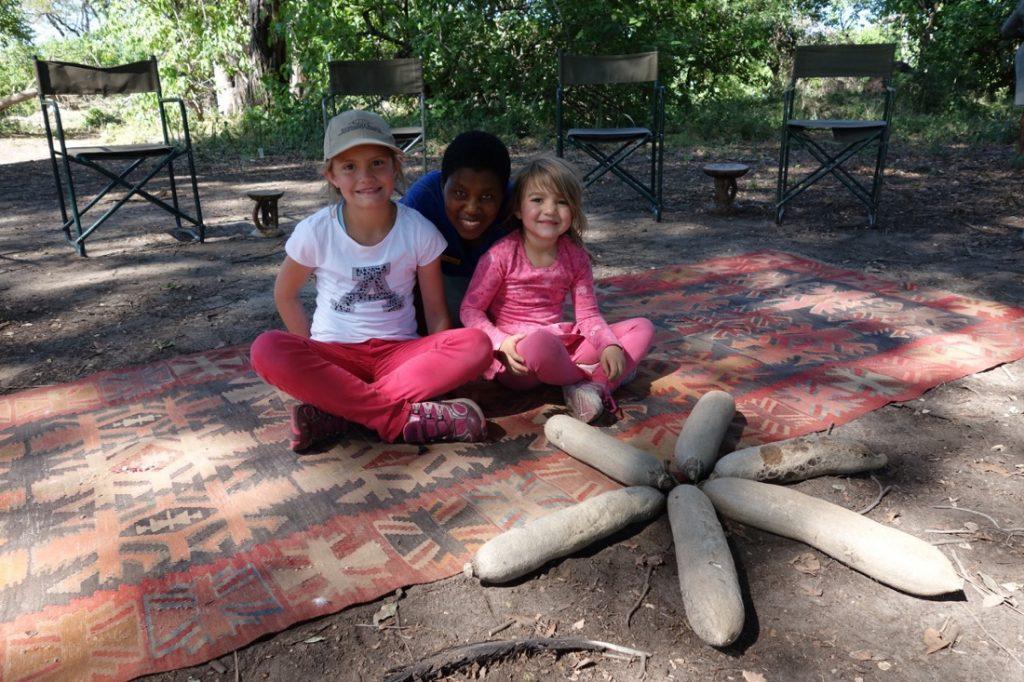 Botswana Rundreise mit Kindern Afrikanisches Spielzeug Iwanowskis Reisen - afrika.de