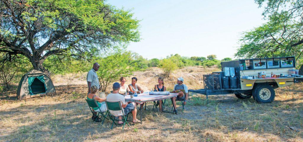 Botswana Bushways Mittagessen Rast Camping Iwanowskis Reisen - afrika.de