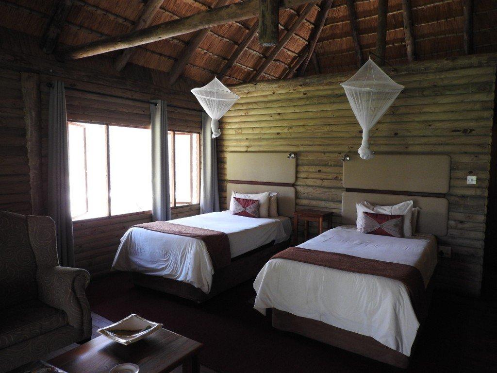 Botswana Okavango Delta Drotskys Cabins Gästezimmer Iwanowskis Reisen - afrika.de