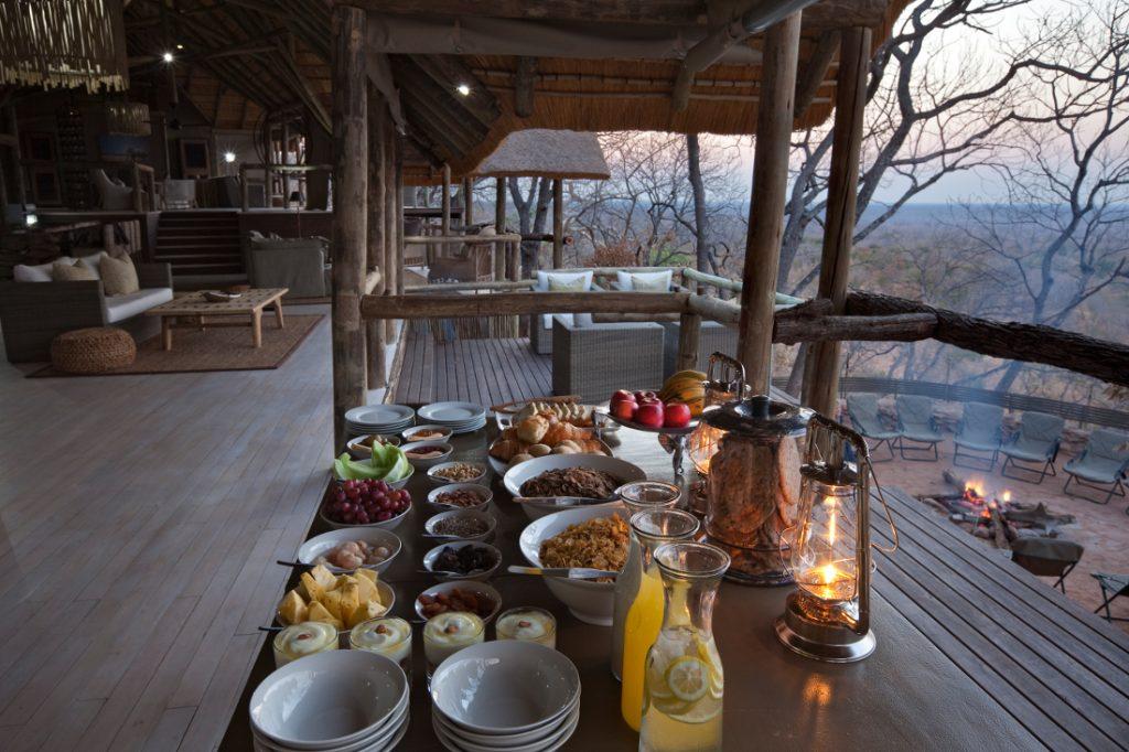 Botswana Ghoha Hills Camp Aufenthaltsbereich Iwanowskis Reisen - afrika.de