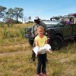 Botswana Rundreise mit Kindern Knochenfund in Moremi Iwanowskis Reisen - afrika.de