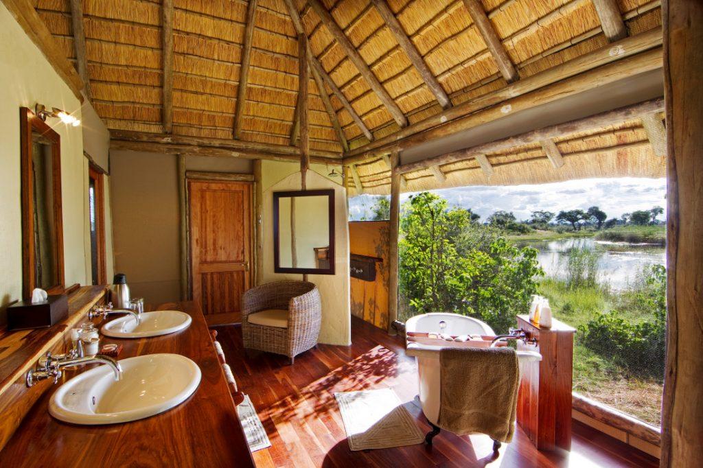 Botswana Linyanti Region Lagoon Camp Blick vom Bad Iwanowskis Reisen - afrika.de