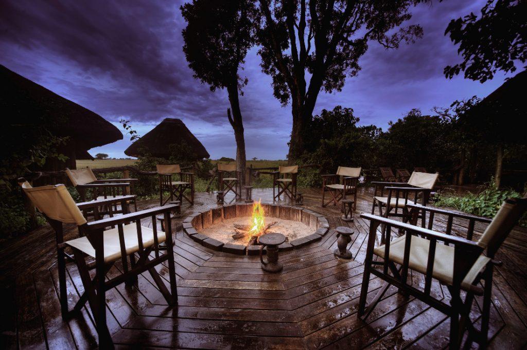 Botswana Linyanti Lebala Camp Feuerstelle Iwanowskis Reisen - afrika.de