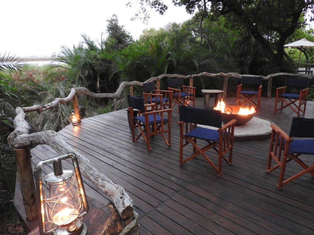 Botswana Okavango Delta Mopiri Tented Camp Feuerstelle Iwanowskis Reisen - afrika.de