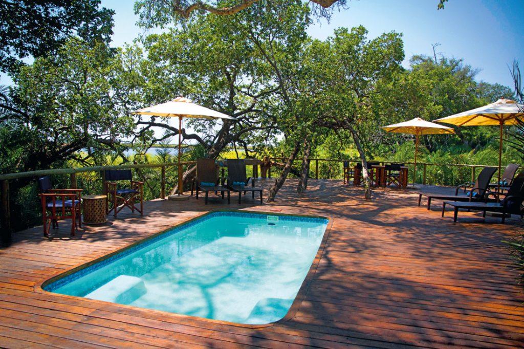 Botswana Okavango Delta Mopiri Tented Camp Pool Iwanowskis Reisen - afrika.de