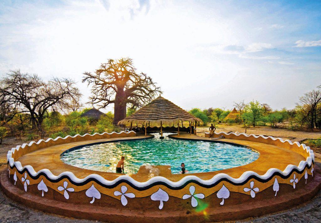 Botswana Makgadikgadi Salzpfannen Planet Baobab Pool Iwanowskis Reisen - afrika.de