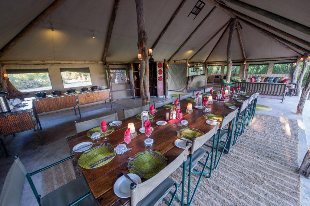 Botswana Khwai Konzession Sango Safari Camp Essbereich Iwanowskis Reisen - afrika.de