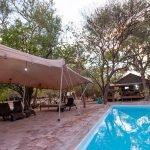 Botswana Maun Sitatunga Camp Pool Iwanowskis Reisen - afrika.de