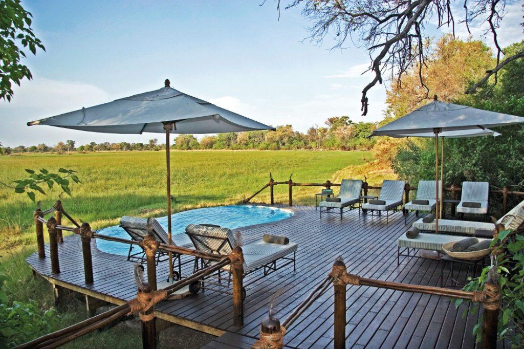 Botswana Okavango Delta Stanley's Camp Pool Deck Iwanowskis Reisen - afrika.de