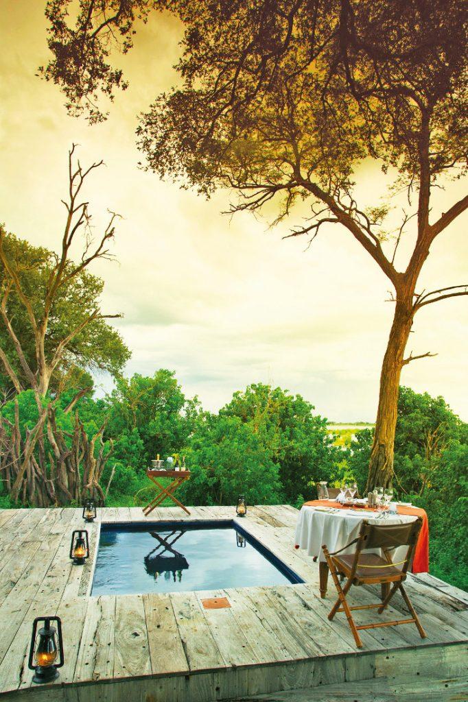 Botswana Linyanti Selinda Zarafa Camp Abendessen Iwanowskis Reisen - afrika.de