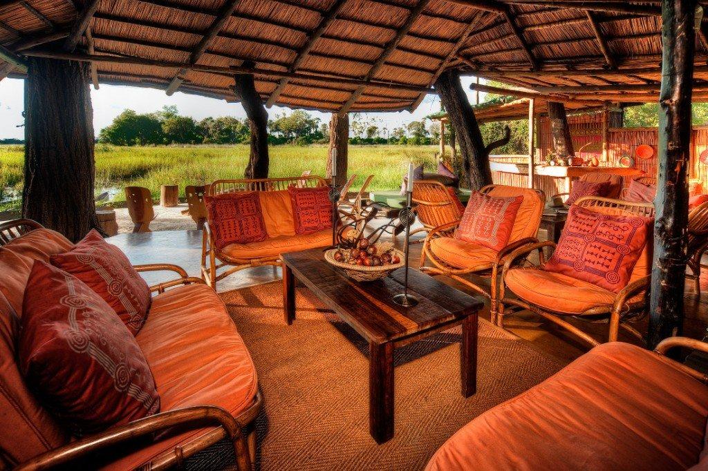 Botswana Oddballs Camp Loungebereich Iwanowskis Reisen - afrika.de