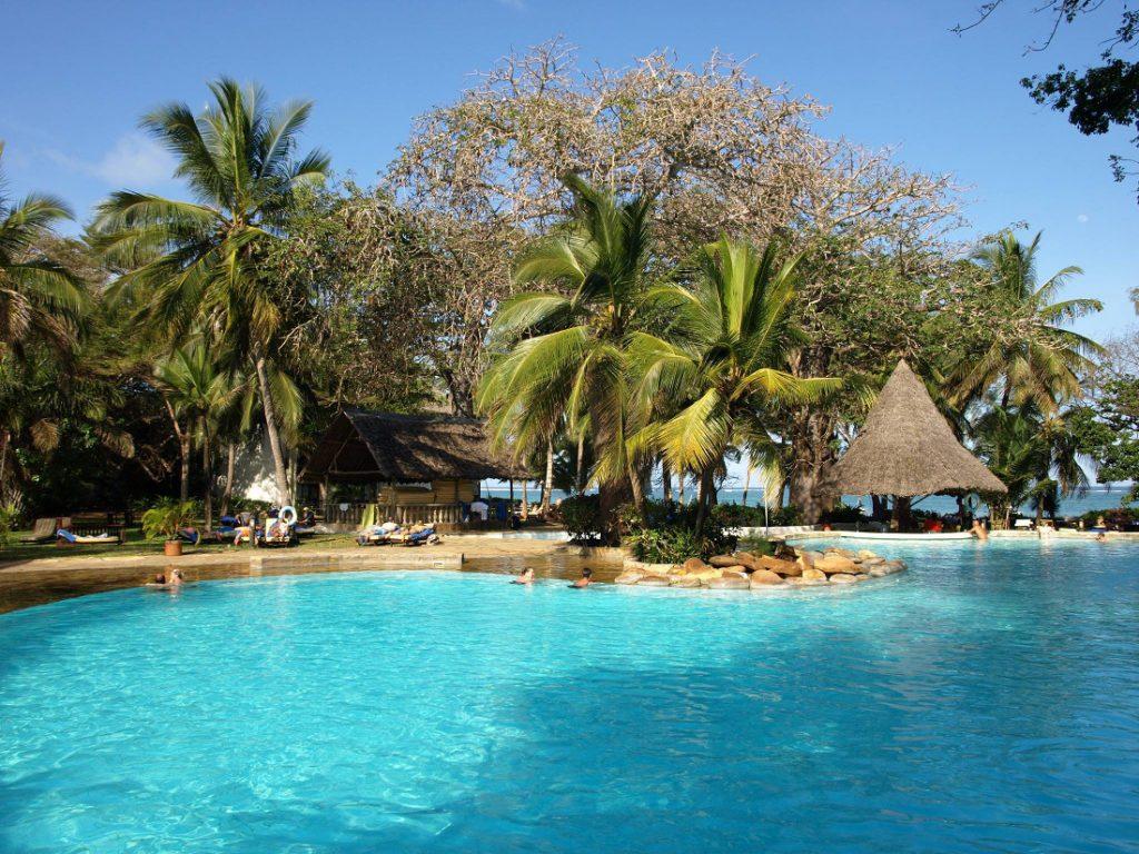 Kenia Papillon Lagoon Reef Pool Iwanowskis Reisen - afrika.de