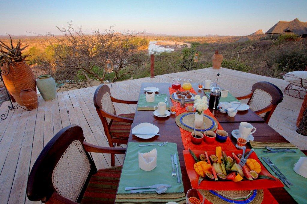 Kenia Samburu Nationalpark Sasaab Lodge Ausblick Iwanowski's Reisen - afrika.de