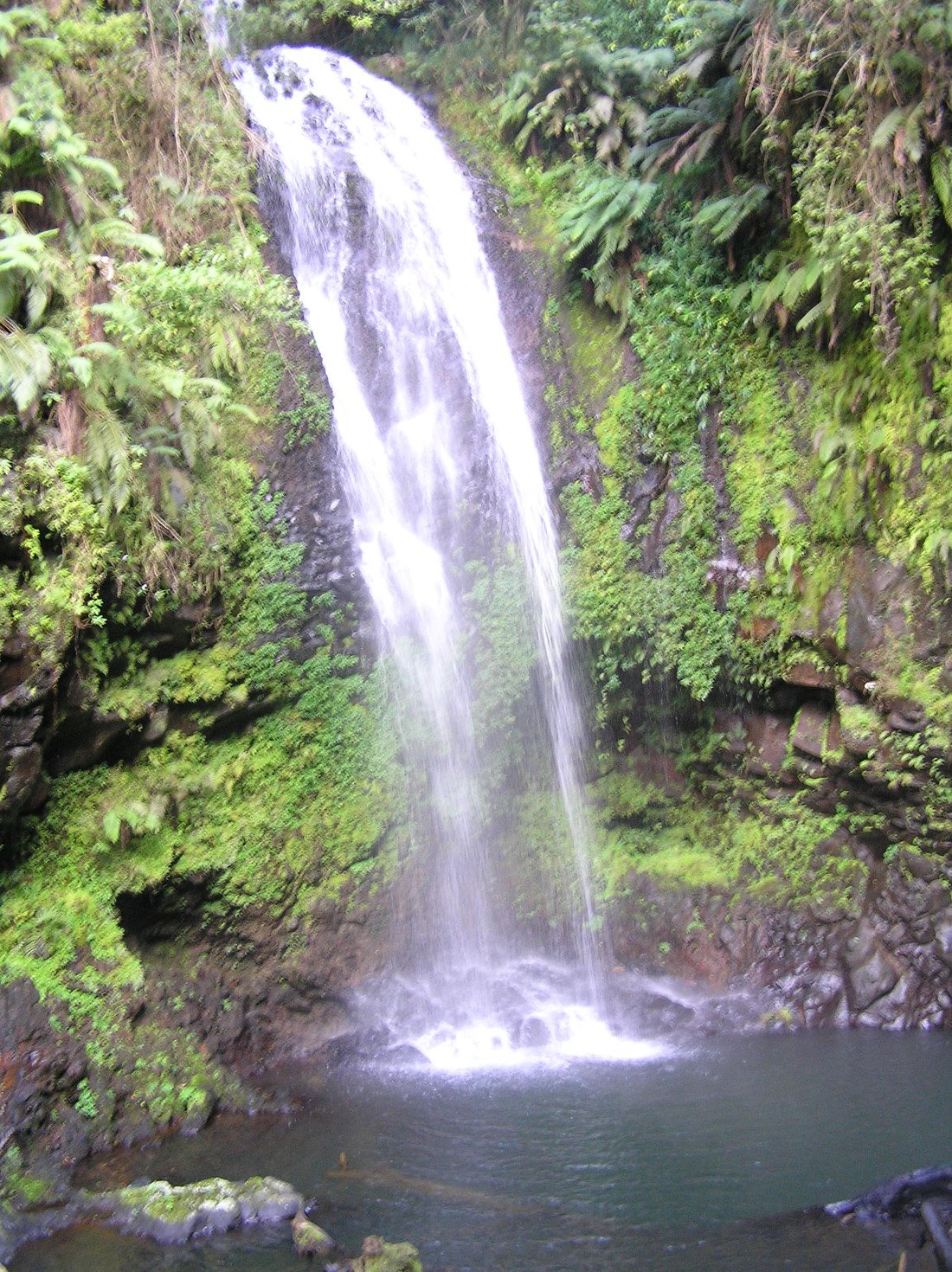 Madagaskar Wasserfall im Norden Iwanowskis Reisen - afrika.de