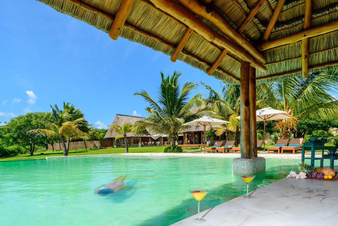 Mosambik Vilanculos Bahia Mar Boutique Hotel Pool Iwanowskis Reisen - afrika.de