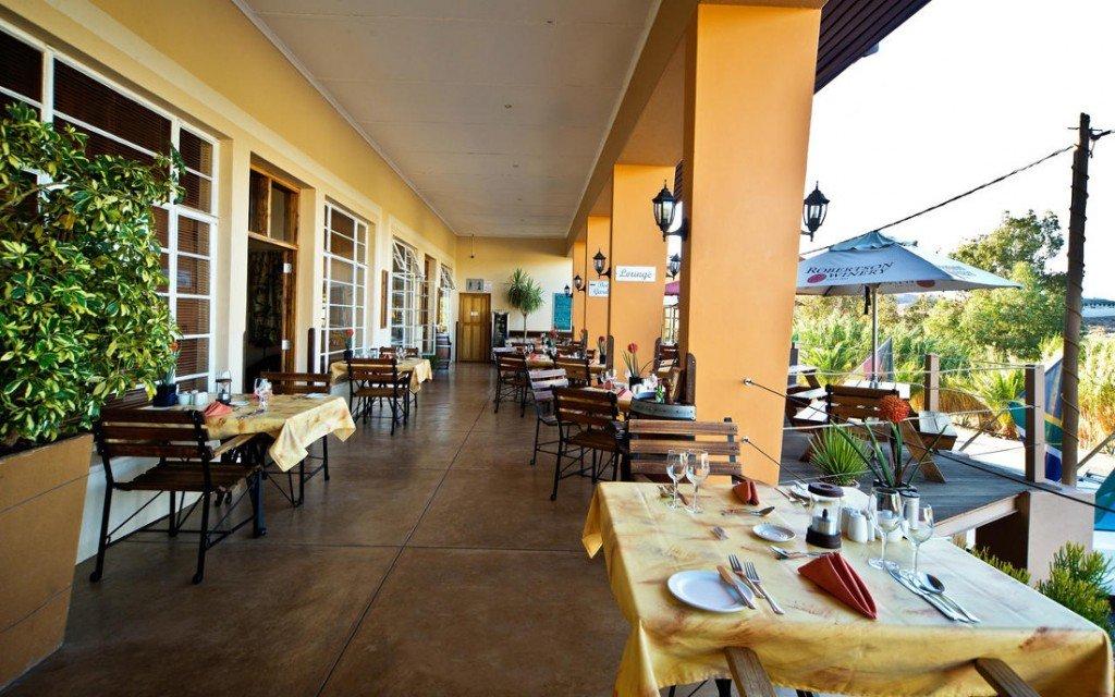 Namibia Aus Bahnhof Hotel Terrasse Iwanowskis Reisen - afrika.de