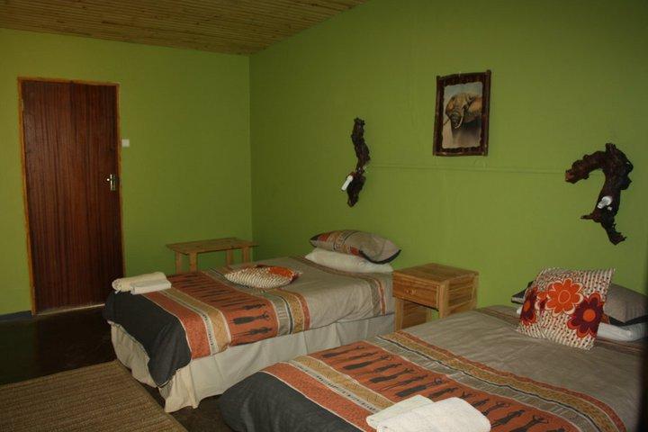 Namibia Damaraland Brandberg White Lady Lodge Gästezimmer Iwanowskis Reisen - afrika.de
