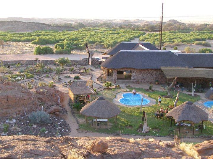 Namibia Damaraland Brandberg White Lady Lodge Iwanowskis Reisen - afrika.de