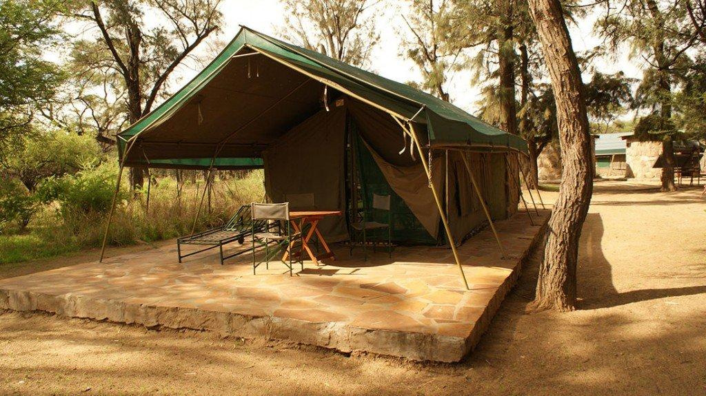 Namibia Windhoek Düsternbrook Gästefarm Safarizelt Iwanowskis Reisen - afrika.de