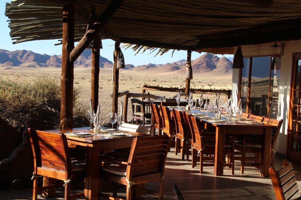 Namibia Desert Homestead Lodge Restaurant Terrasse Iwanowskis Reisen - afrika.de