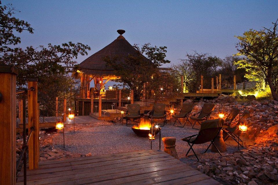 Dolomite Camp Namibia, Feuerstelle Iwanowskis Reisen - afrika.de