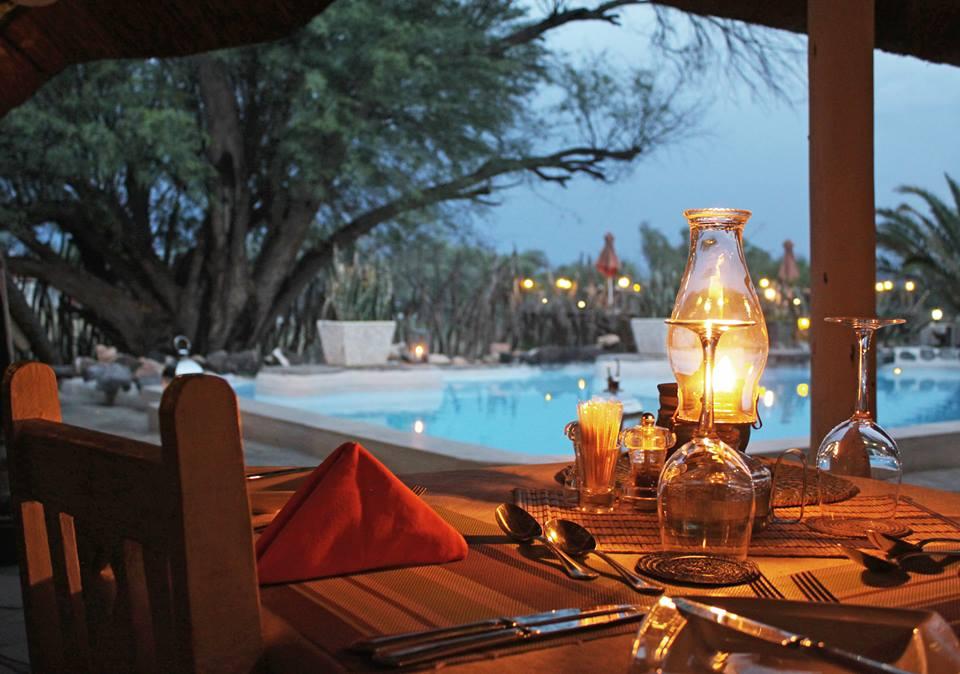 Namibia Okahandija Elegant Farmstead Abendessen Iwanowskis Reisen - afrika.de