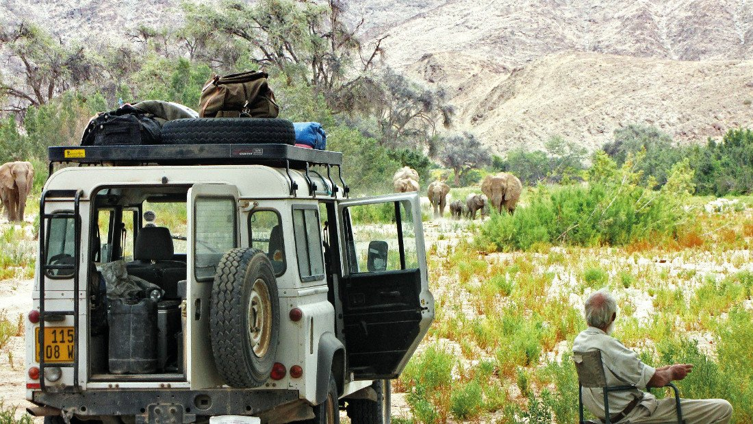 Namibia Kaokoveld Expedition Rast unterwegs Iwanowskis Reisen - afrika.de
