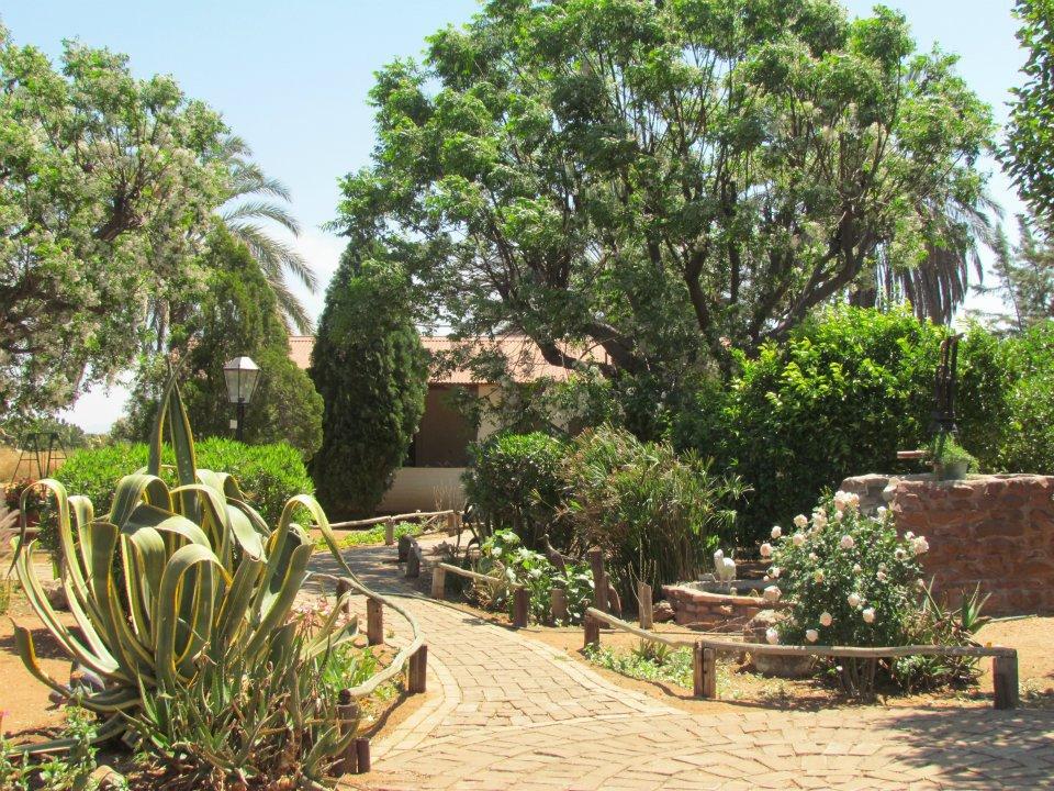Namibia Farm Heimat Garten Iwanowskis Reisen - afrika.de