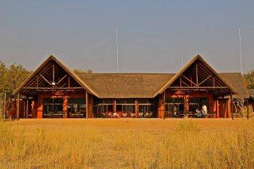 Namibia Etosha Kamanjab Hobatere Lodge Iwanowskis Reisen - afrika.de