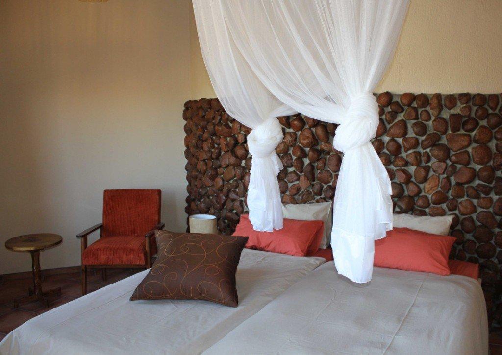 Namibia Erongo Hohenstein Lodge Gästezimmer Iwanowskis Reisen - afrika.de