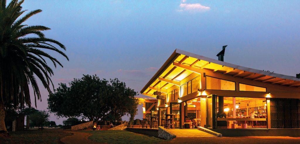 Namibia Kalahari Anib Lodge Iwanowskis Reisen - afrika.de
