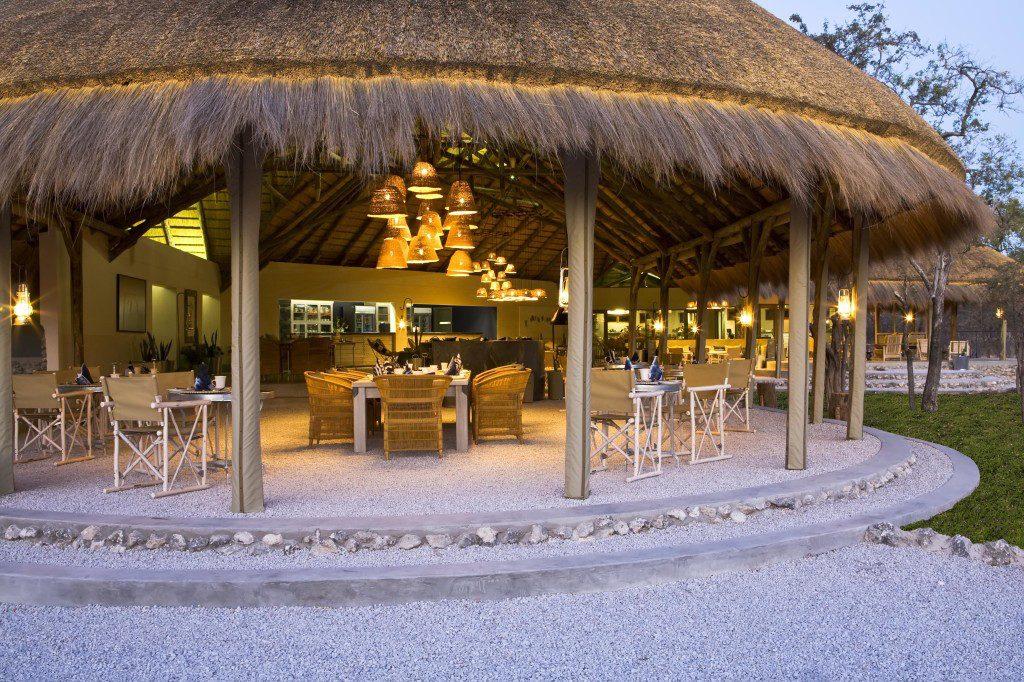 Namibia Etosha National Park Mushara Bush Camp Restaurant Iwanowskis Reisen - afrika.de