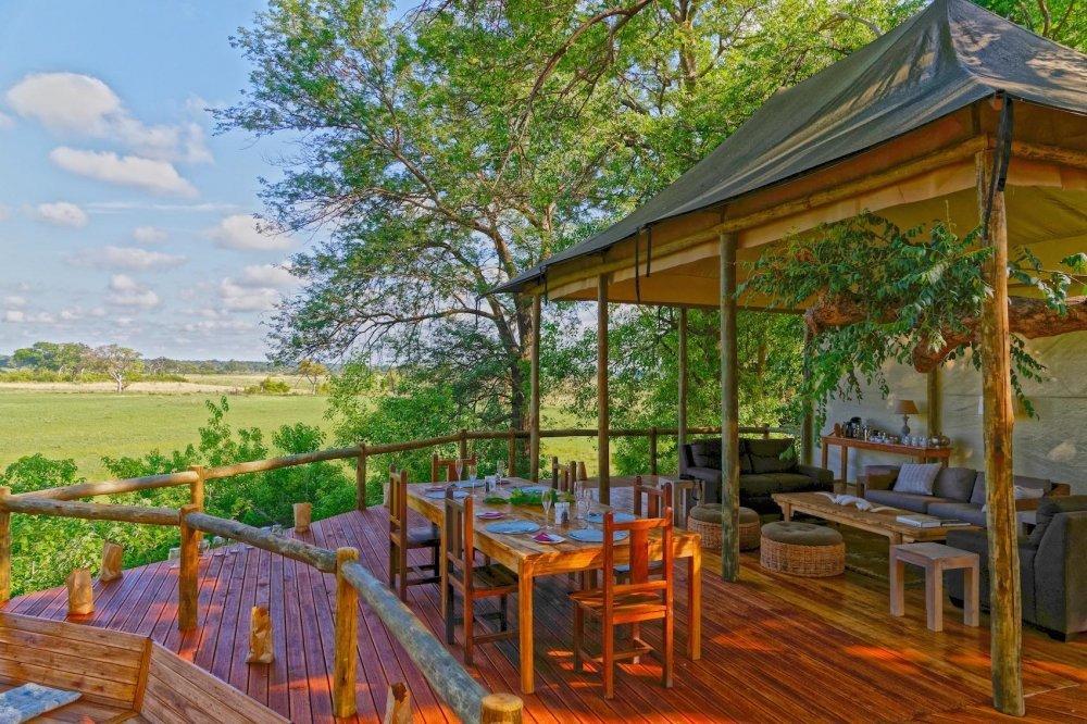 Namibia Nambwa Lodge Loungebereich Iwanowskis Reisen - afrika.de