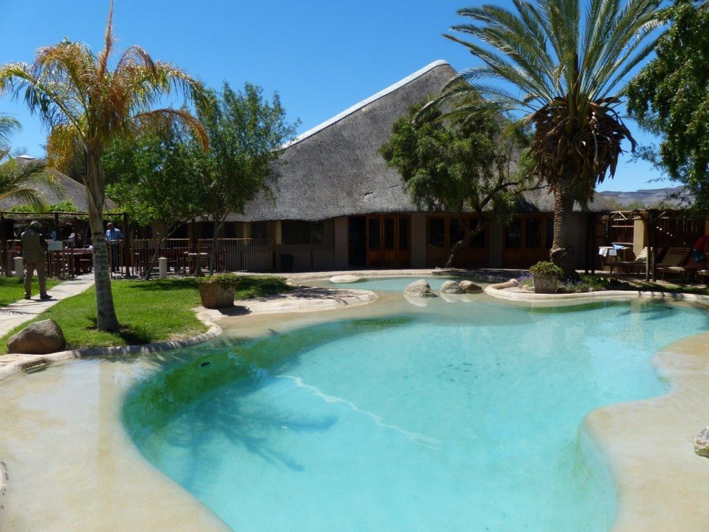 Namibia Oranjefluss Norotshama Lodge Pool Iwanowskis Reisen - afrika.de