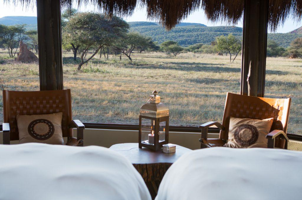 Namibia Otjiwarongo Okonjima Bush Camp Unterkunft Gästezimmer Iwanowskis Reisen - afrika.de