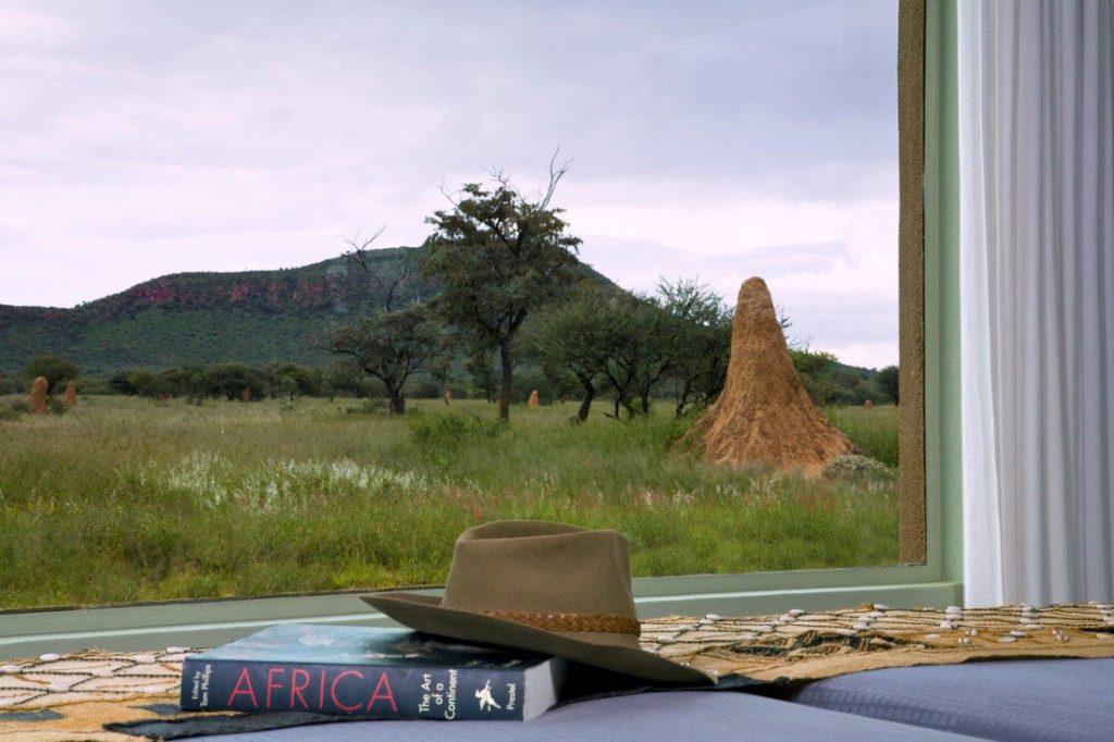 Namibia Okonjima Plains Camp Zimmer Blick Iwanowskis Reisen - afrika.de