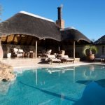 Namibia Erindi Game Reserve Old Traders Lodge Pool Iwanowskis Reisen - afrika.de