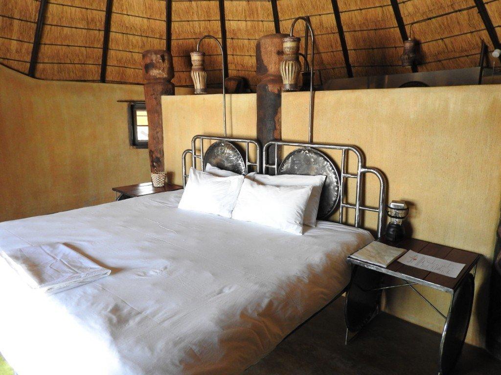 Namibia Owamboland Ongula Village Homestead Lodge Gästezimmer Iwanowskis Reisen - afrika.de
