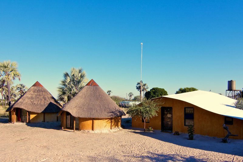 Namibia Owamboland Ongula Village Homestead Lodge Iwanowskis Reisen - afrika.de