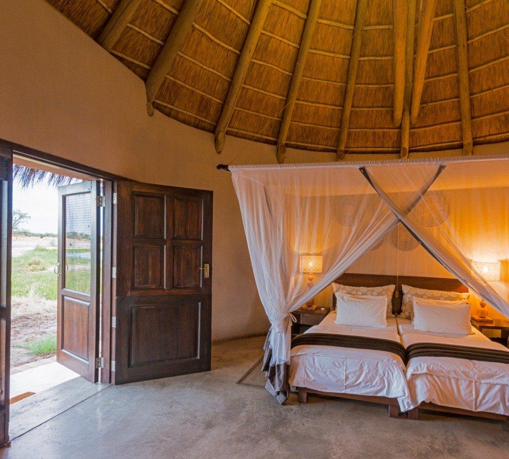 Namibia Etosha Onguma Bush Camp Gästezimmer Iwanowskis Reisen - afrika.de