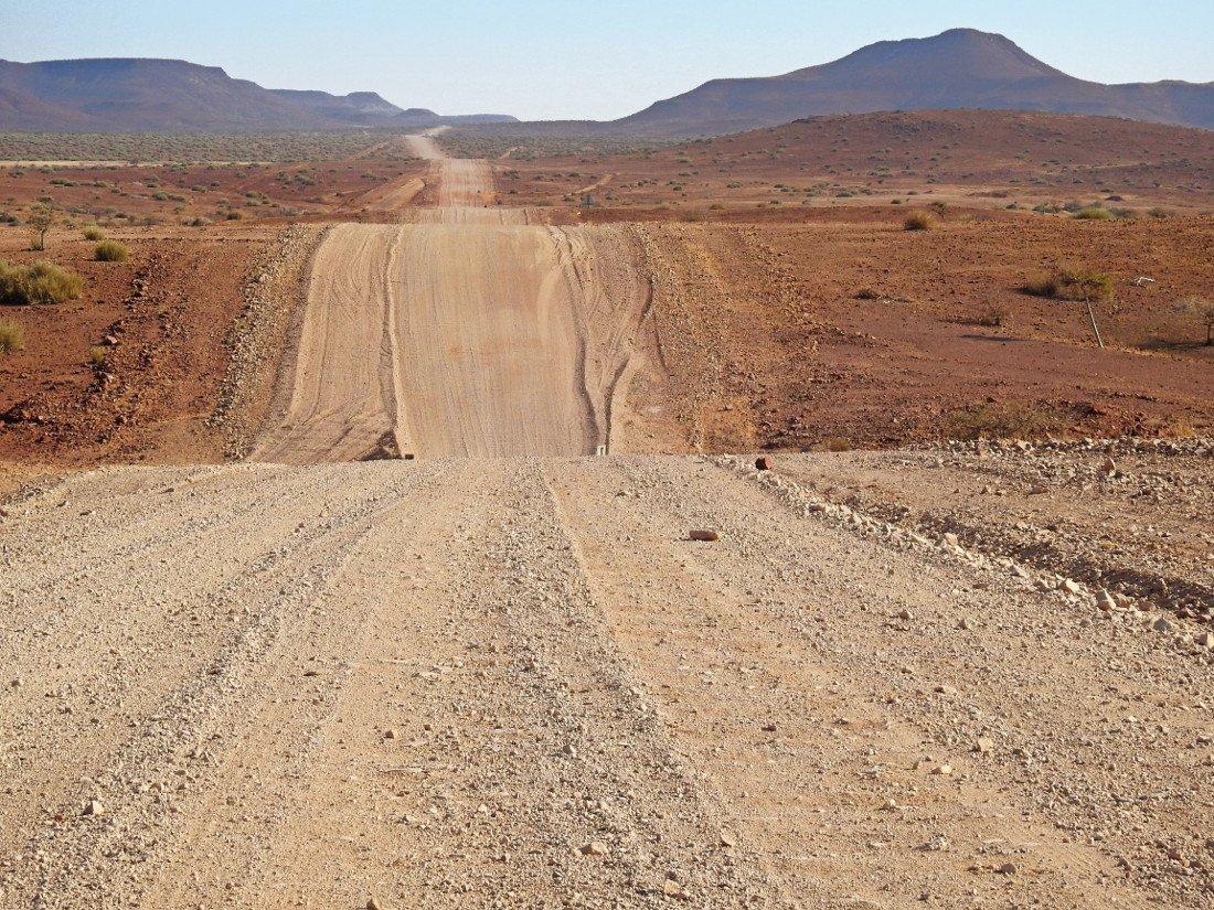 Namibia Damaraland Palmwag Lodge Landschaft Iwanowskis Reisen - afrika.de