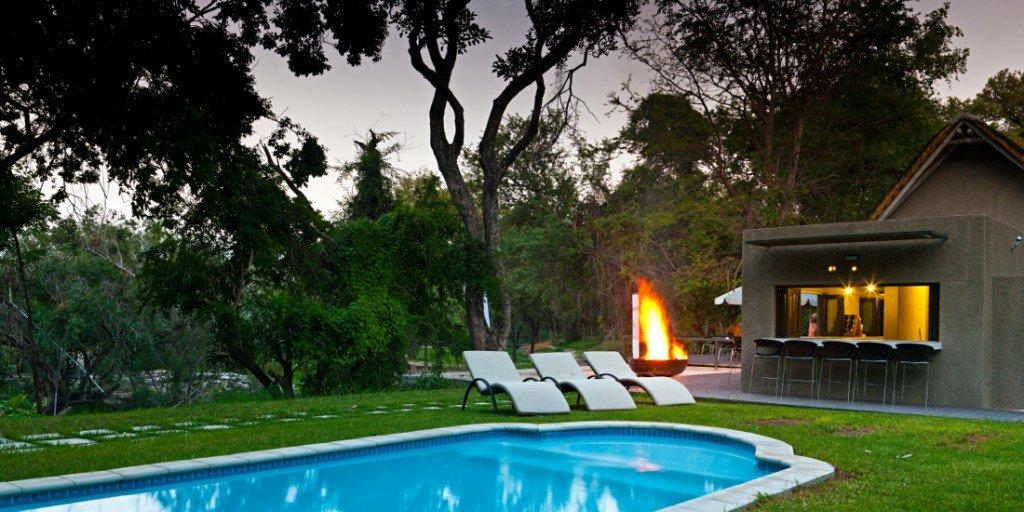 Namibia Popa Falls Resort Pool Iwanowskis Reisen - afrika.de