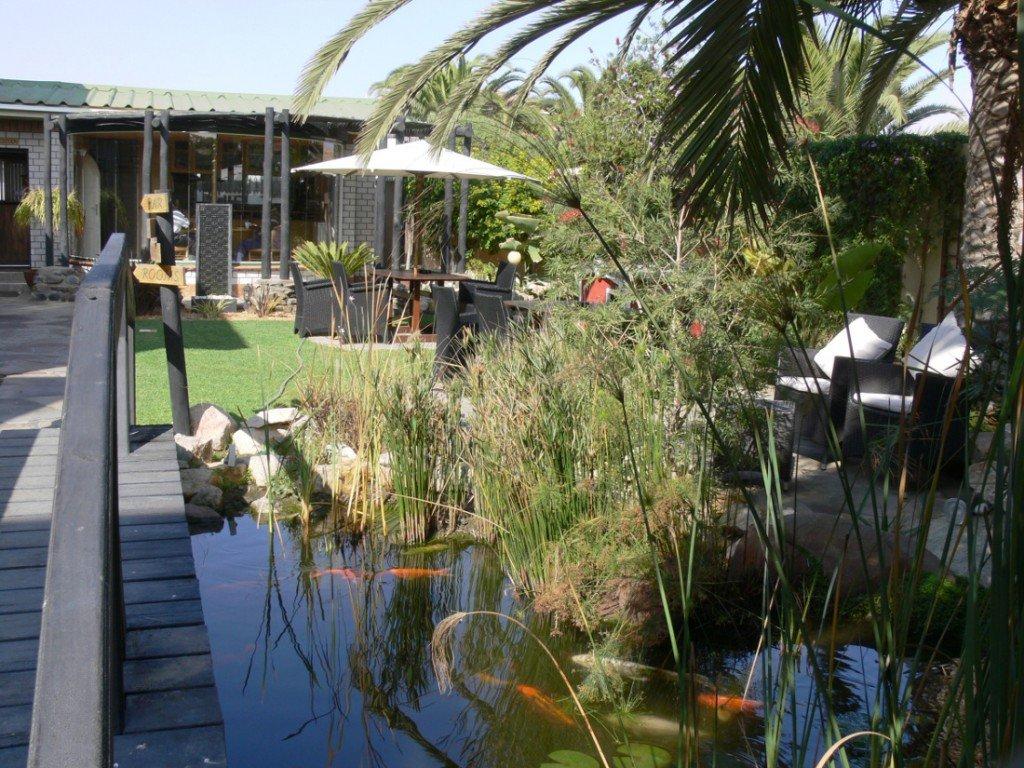 Namibia Swakopmund Sams Giardino Guesthouse Terrasse Iwanowskis Reisen - afrika.de